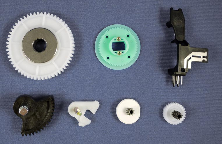 group shot of plastic gears